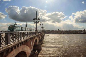 Le choix de la destination pour une colonie de vacances à l'ouest de la France